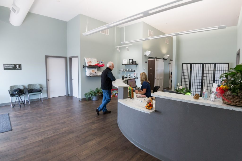 front desk stout chiropractic clinic